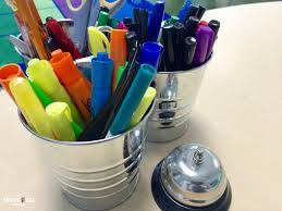 Teacher Desk Organization by Classroom Organization Tips And Tricks The Brown Bag Teacher