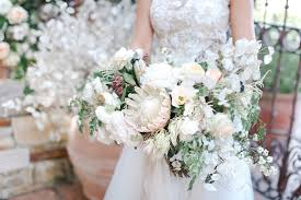 cascading bouquet cascading bouquets the 80s trend that s back in a big way