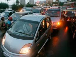 speeding car kills 2 in jogeshwari vikhroli link road in mumbai