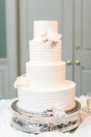 wedding cake ideas that are delightfully a practical wedding