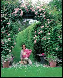 a visit with style icon carolyne roehm in her connecticut garden