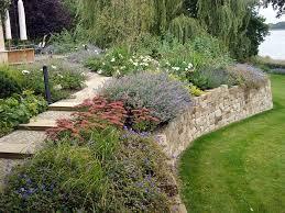Garten Gestalten Mediterran Terrasse Anlegen Platten Legen Gartenarbeit Download Terrasse