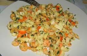 cuisiner le surimi tagliatelles de surimi aux crevettes recette dukan pp par pupu37