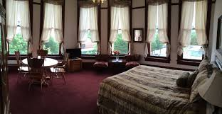 waterstreet hotel in port townsend call 800 735 9810