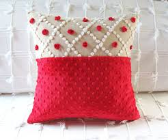 Red Bed Cushions Christmas Decorating Ideas 10 Pretty Holiday Pillows Pillows