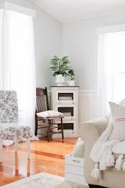 Living Room Mantel Decor White Living Room And Mantel Decor Tidbits