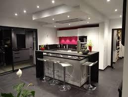 ilot centrale de cuisine cuisine ilot central noir blanc avec et bar newsindo co