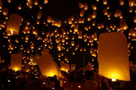 candle balloon loy krathong yee peng festival of lights chiang mai best