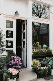 Flower Shops by Best 25 Flower Shops Ideas Only On Pinterest Petals Florist