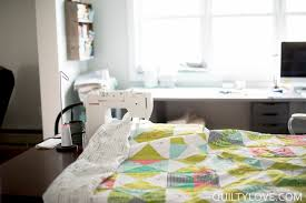 quilting and working in a small space quilty love