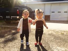 Unique Family Halloween Costume Ideas With Baby by Best 10 Danny Zuko Costume Ideas On Pinterest John Travolta In