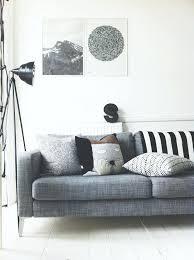 idee deco salon canap gris salon canape gris un salon en gris et blanc cest chic voila 82