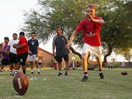 Backyard Football Free Former Nfl Kicker Gives Free Lessons To High Schoolers In Ariz