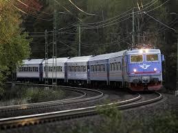 kereta hyundai lama gambar kereta api dengan pemandangan indah wallpapersforfree