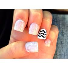 sparkly acrylic nails with chevron from yours truly