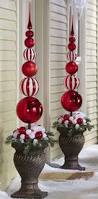 Christmas Outdoor Entryway Decorating Ideas by Best 25 Outdoor Christmas Ideas On Pinterest Large Outdoor
