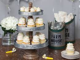 Cracker Barrel Home Decor by 10 Reasons Why Cracker Barrel Is The Best Family Restaurant Around
