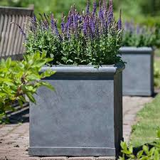 Square Planter Pots by This Set Of 3 Modern Garden Pots Are Crafted Using The New Pots
