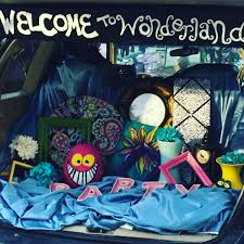 malice in wonderland halloween party alice in wonderland trunk or treat ideas snakes and snails and