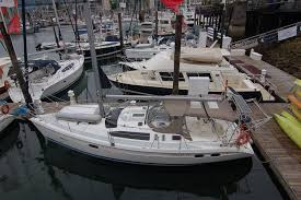 hunter 376 specialty yacht sales