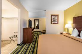 hotel quality suites kansas airport kansas city mo booking com