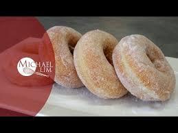 hervé cuisine cookies recette facile des donuts américains ou beignets hervé cuisine