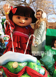 grande performs at macy s thanksgiving day parade rap up