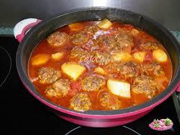 cuisiner navets nouveaux tajine de boulettes de boeuf aux navets nouveaux les petits plats