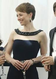 hairstyles of margaux on revenge 23 best karine vanasse images on pinterest hairstyle hair cut