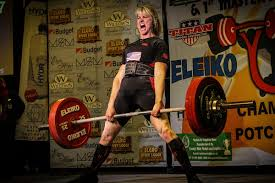 watch this amazing woman bench press 325 pounds the warm up