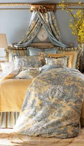 Ideas For Toile Quilt Design Pin By Amelie Bernard On Beds Beds Beds Pinterest Bedrooms