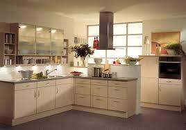 repeindre une cuisine en bois repeindre cuisine bois unique repeindre meuble cuisine bois uv42