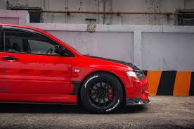 mitsubishi lancer wagon mitsubishi lancer evolution ix wagon the compromise photo