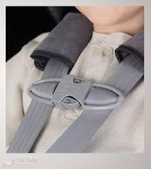 clip ceinture siege auto votre enfant retire ses harnais les solutions chest clip et 5