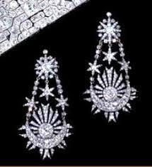 antoinette earrings antoinette s pear diamonds antoinette s gossip guide