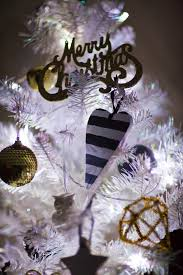 White Christmas Tree With Black Decorations Live It Love It Make It Live It Sammy U0027s Christmas Tree 2013