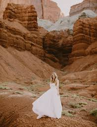 wedding arches national park capitol reef national park elopement kellen green