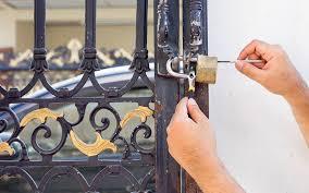 comment ouvrir une serrure de porte de chambre ouvrir une porte tel 09 70 24 84 01 un spécialiste de votre région
