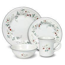christmas dinnerware christmas dinnerware sets plates dishes pfaltzgraff