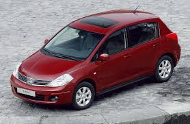 nissan tiida black nissan tiida 2006 2011 carzone used car buying guides