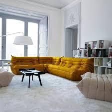 interieur et canapé togo moutarde ocre doré la couleur 2016 moutarde