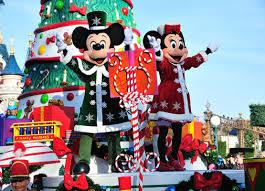 How Long Does Disney Keep Christmas Decorations Up Disney Enchanted Christmas Disneyland Paris Magic Breaks