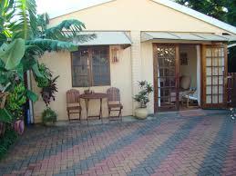 cosy garden cottage in glenwood cabins for rent in berea