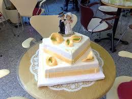 hochzeitstorte rechteckig 2 stöckige hochzeitstorten rechteckig bäckerei weimar