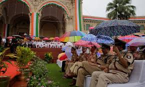 Indian National Flag Hoisting In Pictures India Celebrates Colourful Independence Day As Ihk