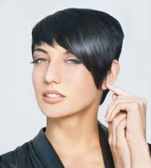 how to style short hair with bangs