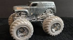 grave digger 30th anniversary monster truck toy 2017 wheels monster jam silver collection grave digger youtube