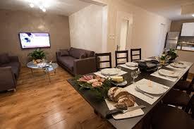 sejour ouvert sur cuisine cuisine salon sejour ouvert rayonnage cantilever