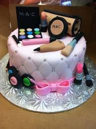 10 year old birthday this is a vanity case cake for a 10