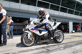 2014 Bmw 1000rr Ride Review Riding The Bmw S1000rr Superstock Satellite